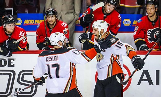 anaheim-ducks-ryan-getzlaf-and-ryan-kesler-in-front-of-calgary-flames-48749775.jpg