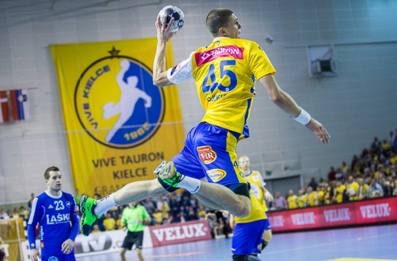 ehf_champions_league_round_8.jpg