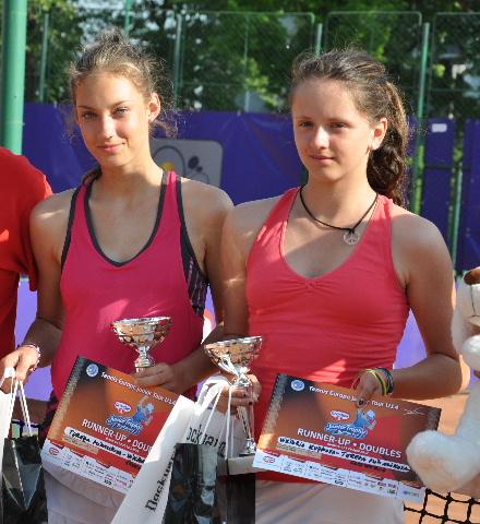 Viktoria KUZMOVA.jpg
